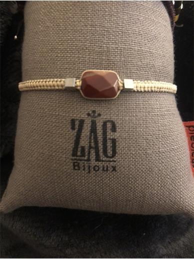 Bracelet Zag cornaline sur bracelet beige tressé